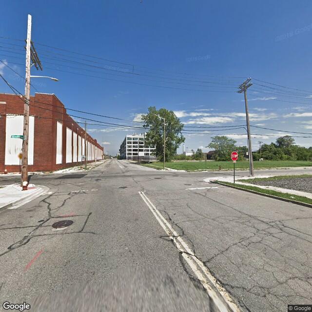 411 Piquette St