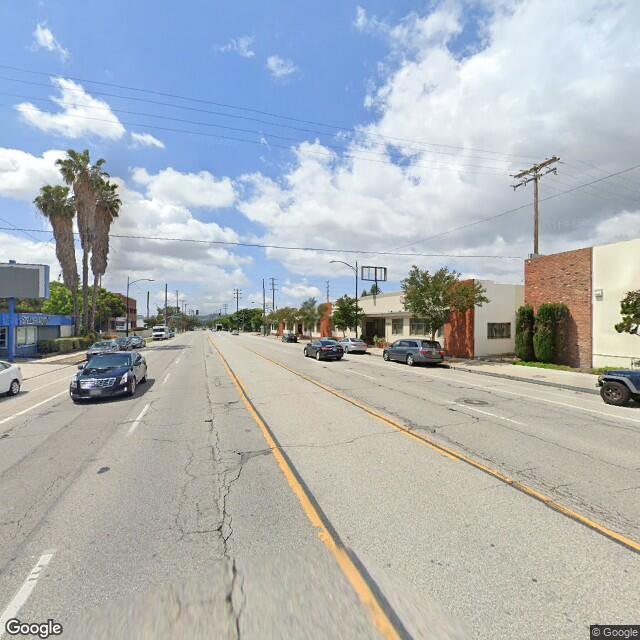 2228 N Hollywood Way