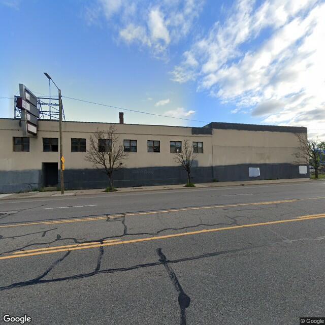 2760 W Warren Ave