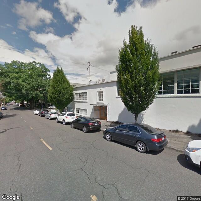 911-915 NE Davis Street